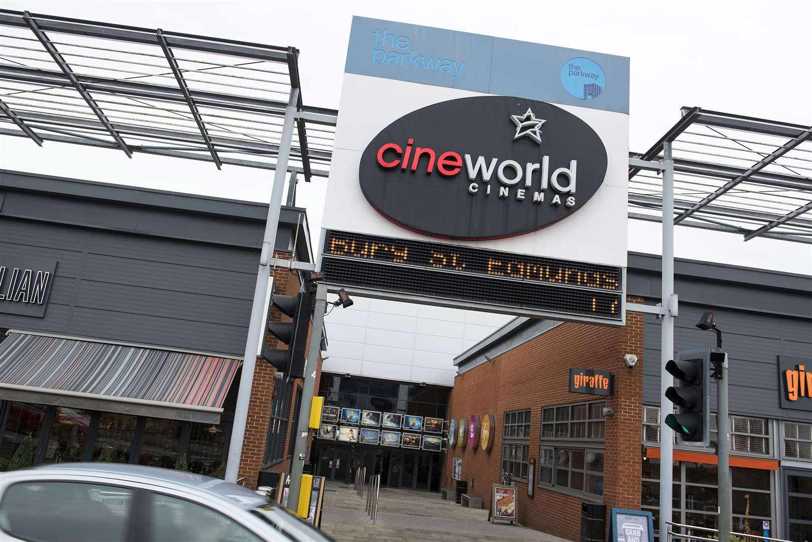 Cineworld pushes back its reopening to the end of July