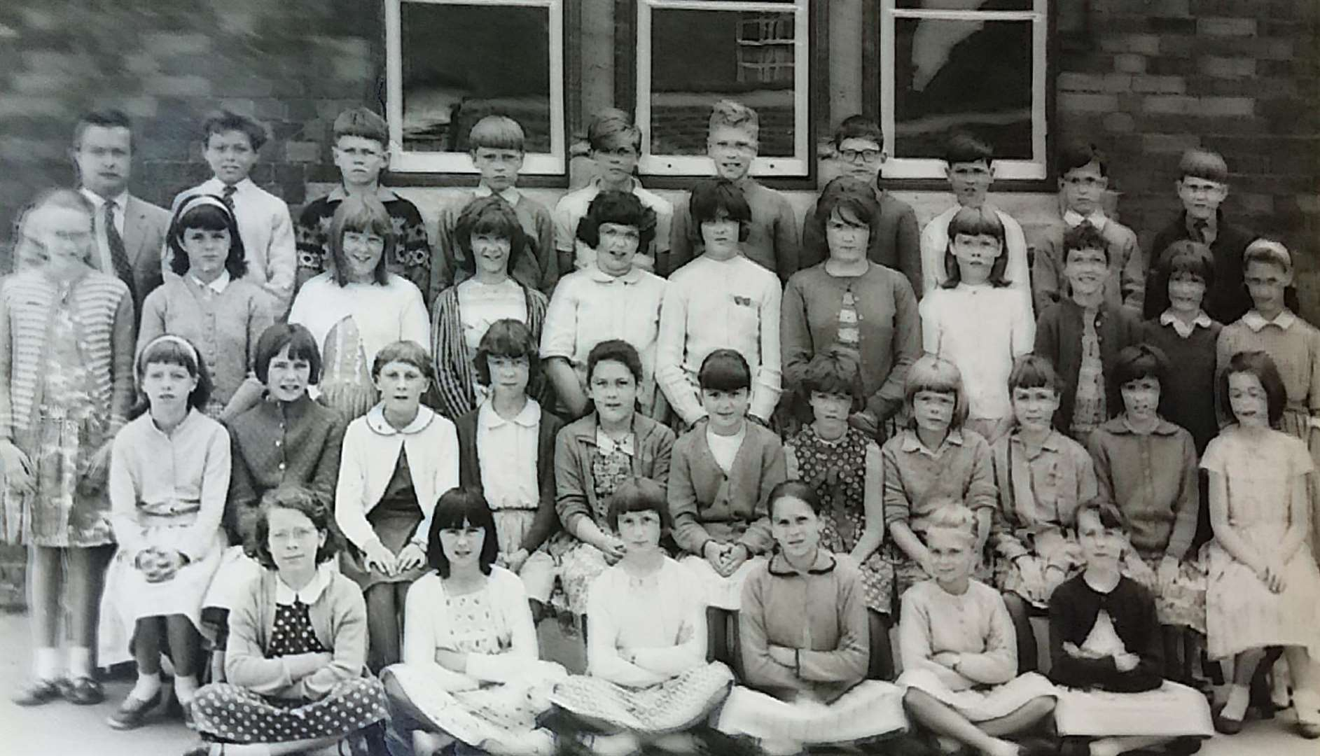 The children of Class 4A, Haverhill County Primary School, in 1965 (6395209)