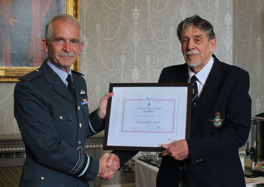 Sudbury RAFA chairman Ray Smith (left) with Air Marshal Sir Dusty Miller. ANL-161105-103731001