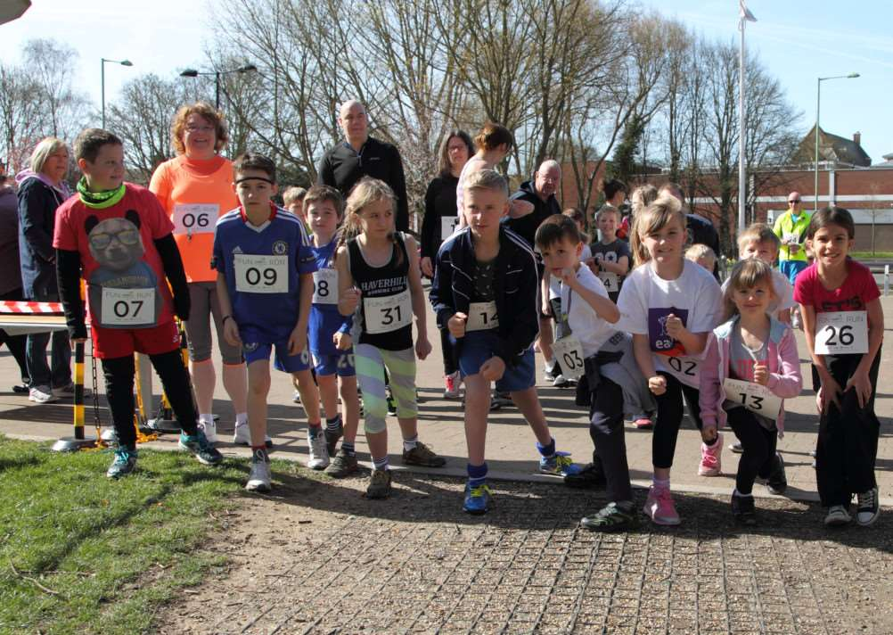 The Haver10 Fun Run about to start at Haverhill Leisure Centre. Picture by p7photography.co.uk ANL-150414-164410001
