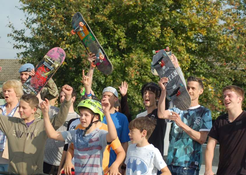 Celebrating the opening of the new skatepark in Hadleigh ANL-151013-165804001