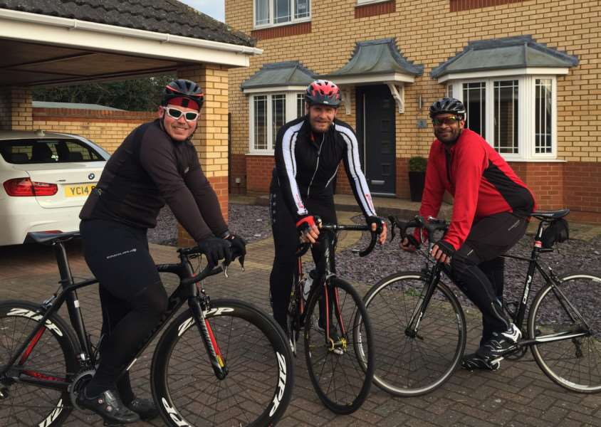 Former Cambridge United goalkeeper Danny Potter, centre, is taking part in a cycle ride to raise funds for Simon Dobbin ANL-160305-115128001