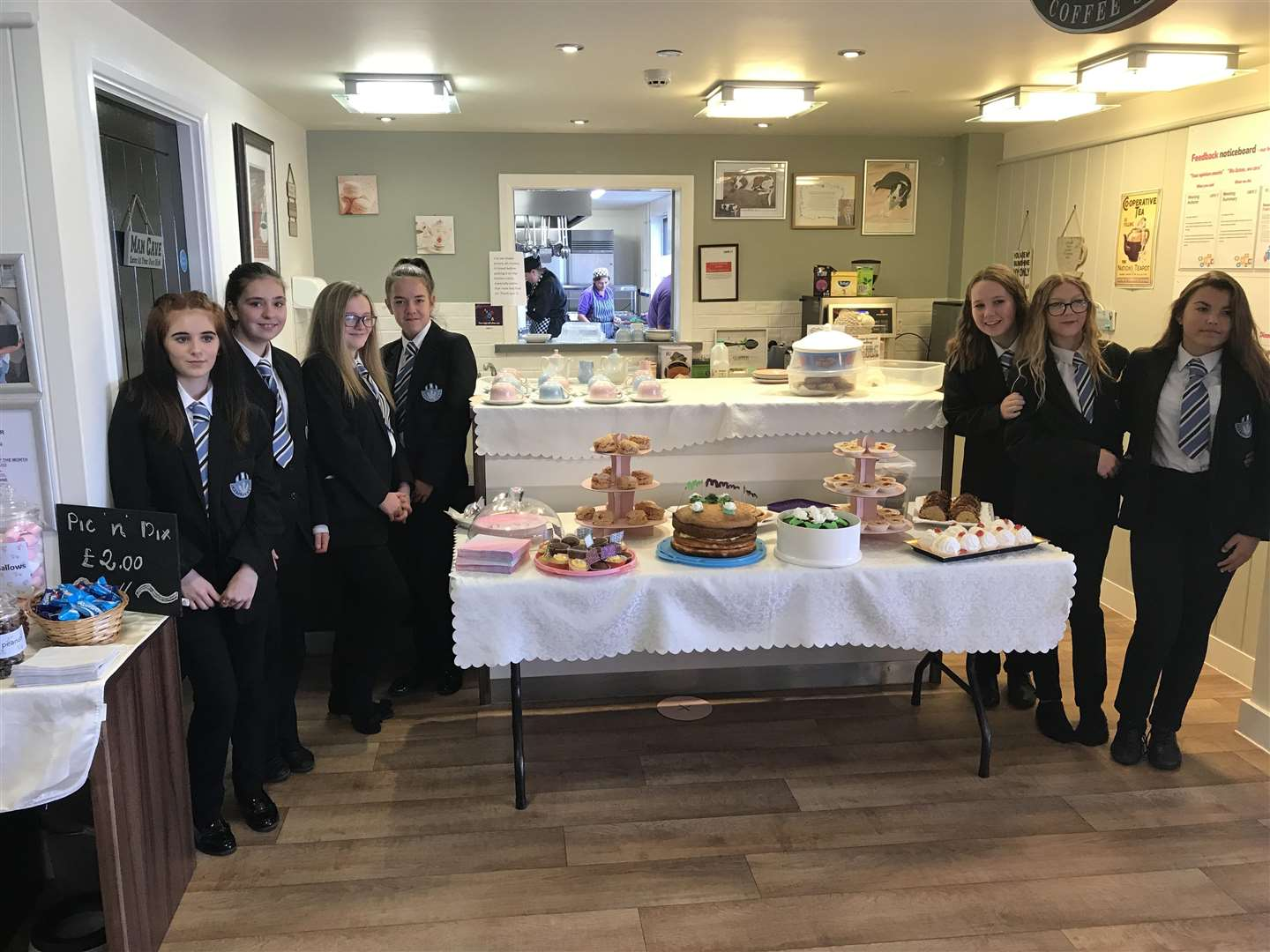Castle Manor Academy students took cakes along to Cleves Place Care Home in Haverhill for a Macmillan coffee morning (4563614)
