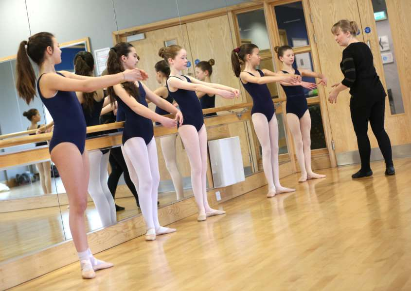 Pic - Richard Marsham/RMG Photography'Young dancers take part in the Ballet and Tap Dancing classes run by Leanne Day at Hadleigh Leisure Centre.