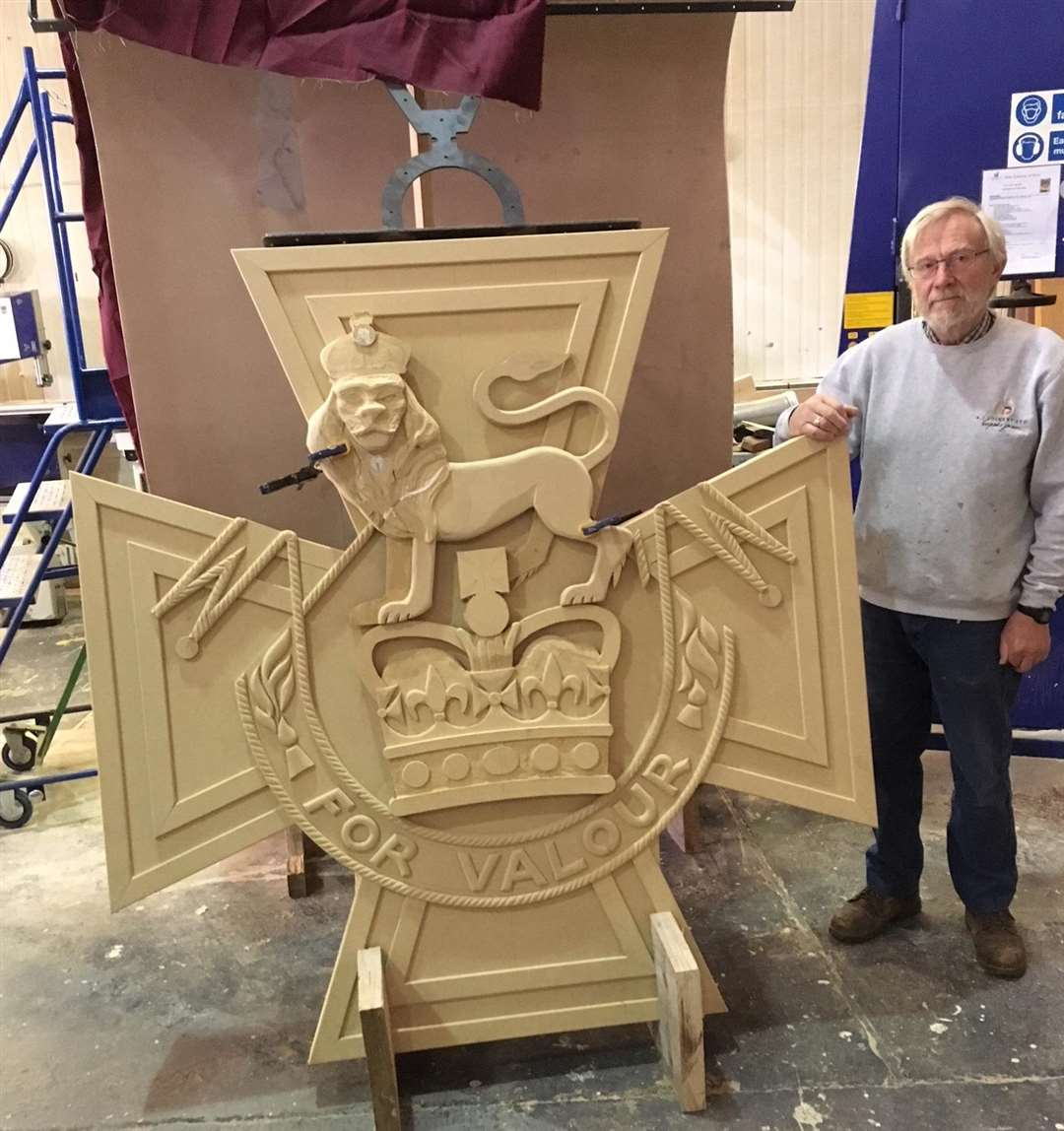 Mike Wells with his wooden Victoria Cross (2264307)