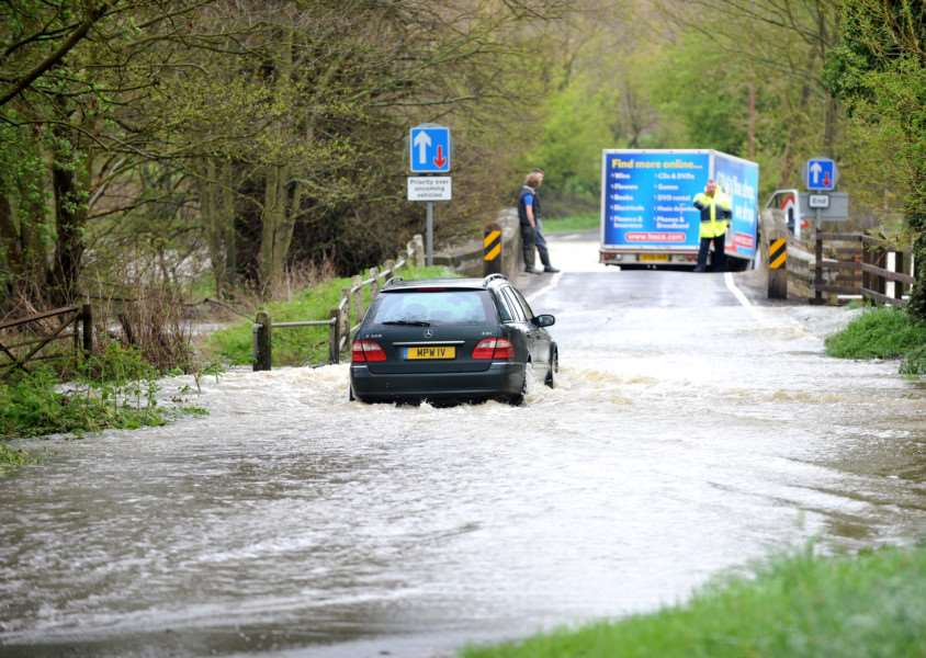 Met Office warns of heavy rain and flooding