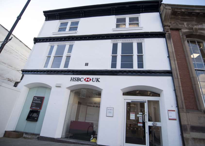 SUDBURY: HSBC reopening after fire 'HSBC, 46 Market Hill, Sudbury 'First look inside and out of HSBC which is reopening after the fire which ripped through Sudbury town centre in September 2015'Picture Mark Westley ANL-161018-225627009