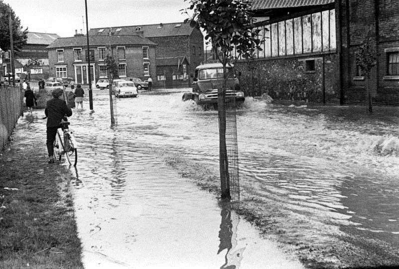 Flooding of 1968 - Tayfen Road, Bury St Edmunds. Photograph credit unknown. (40723682)