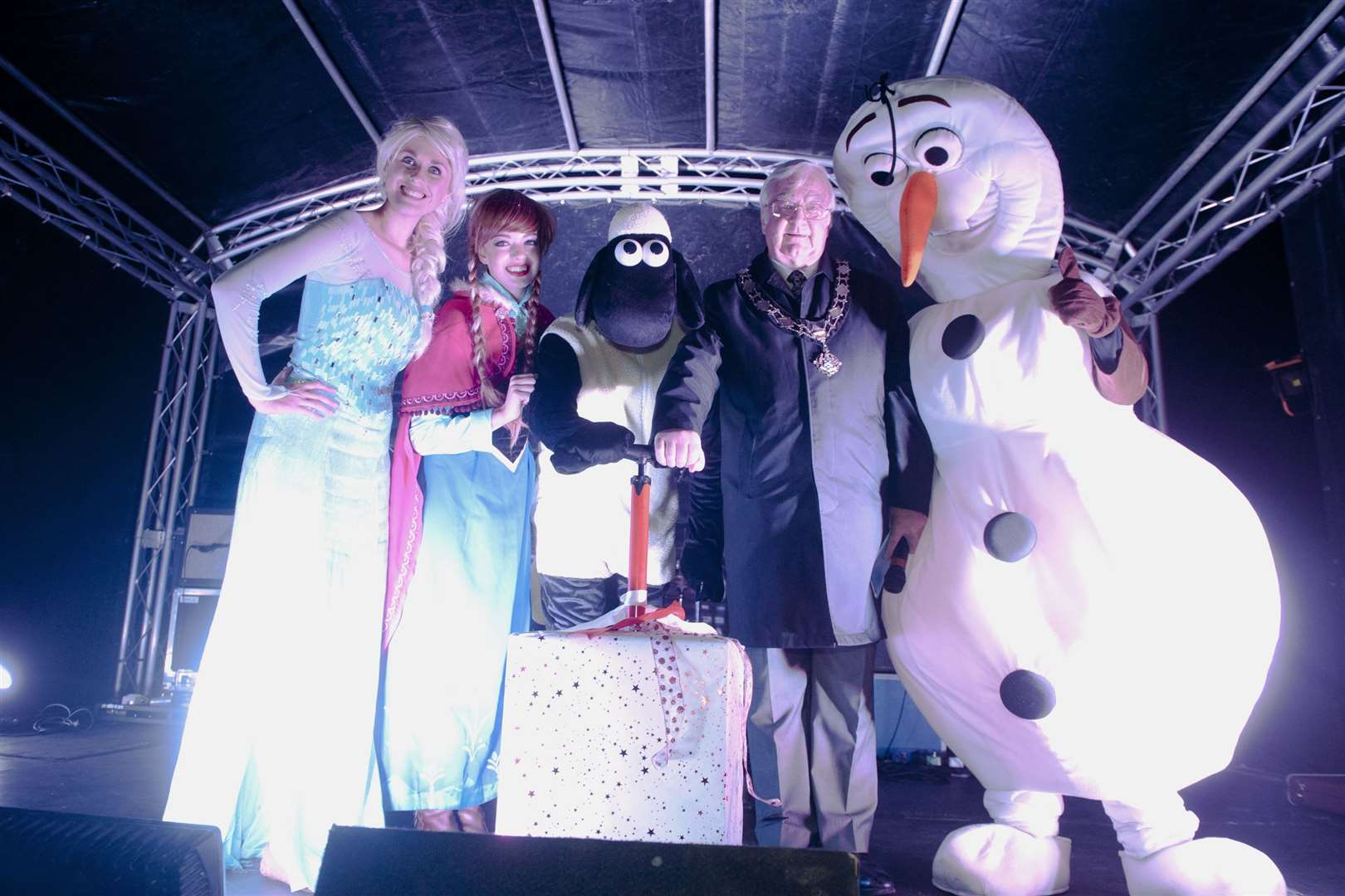Hadleigh Christmas lights switch-on 2015