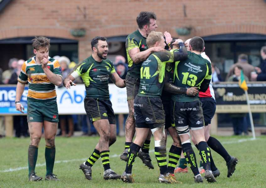 RUGBY - Bury St Edmunds v Barnes''Pictured: Bury celebrate scoring a try ANL-160603-185609009
