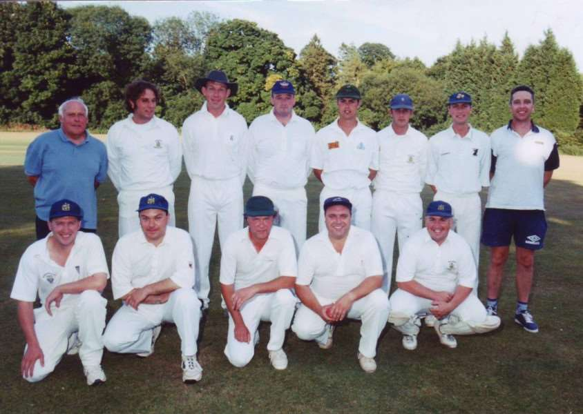 A cricket team posing for a photo in August 1999. Do you know who they are and why the photo was being taken? ANL-161204-130552001