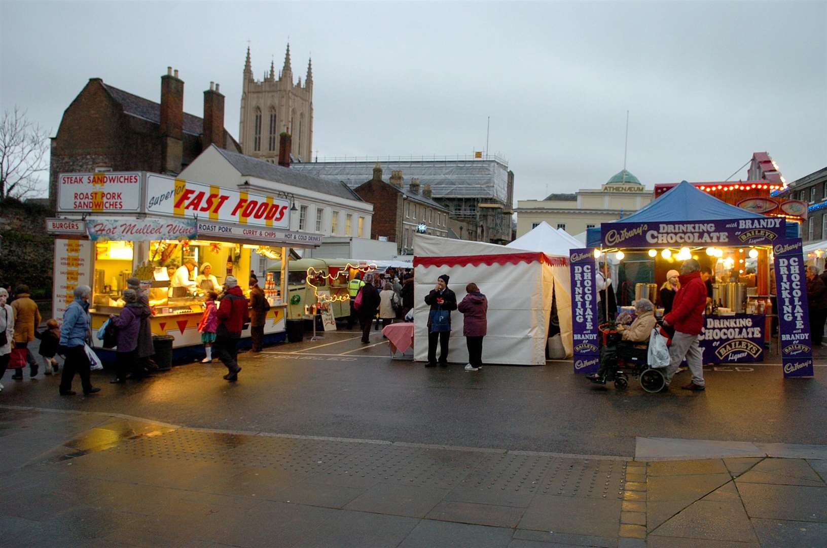 Christmas Fair on Angel Hill. (3733010)