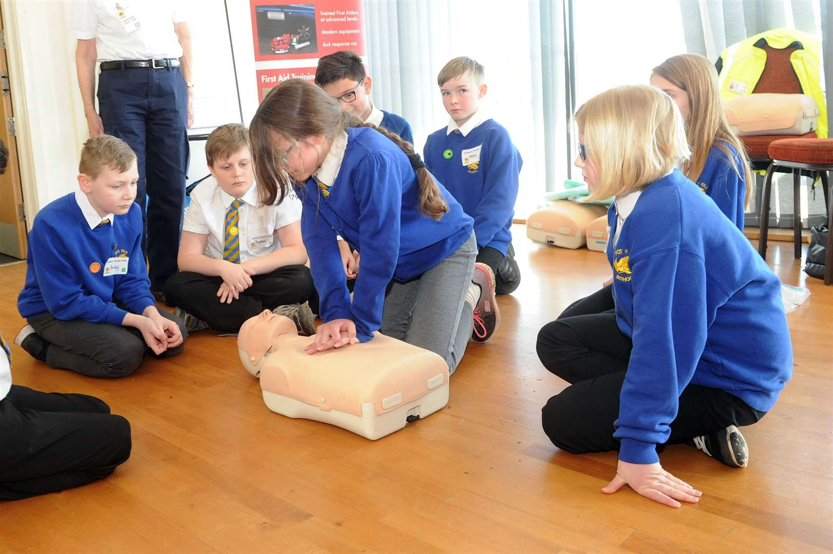 Sudbury Crucial Crew..Pictured: Evie Bomer-Clarke learning first aid with other pupils from Pot Kiln School....PICTURE: Mecha Morton... (8070443)