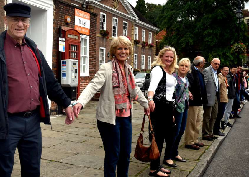 The 1st Bury St Edmunds Human Chain of Hope from the Angel Hill and Buttermarket on Sunday ANL-160926-073116009