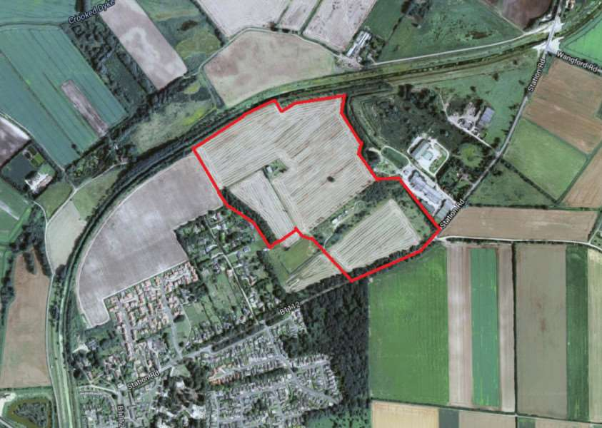 The site on station road where 375 homes and a new school are planned'[Googlemaps] ANL-160229-145134001