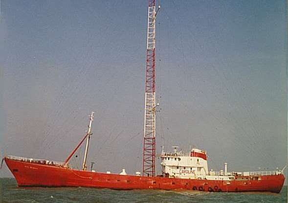 Radio Caroline's ship Ross Revenge in 1986 ANL-171001-163006001