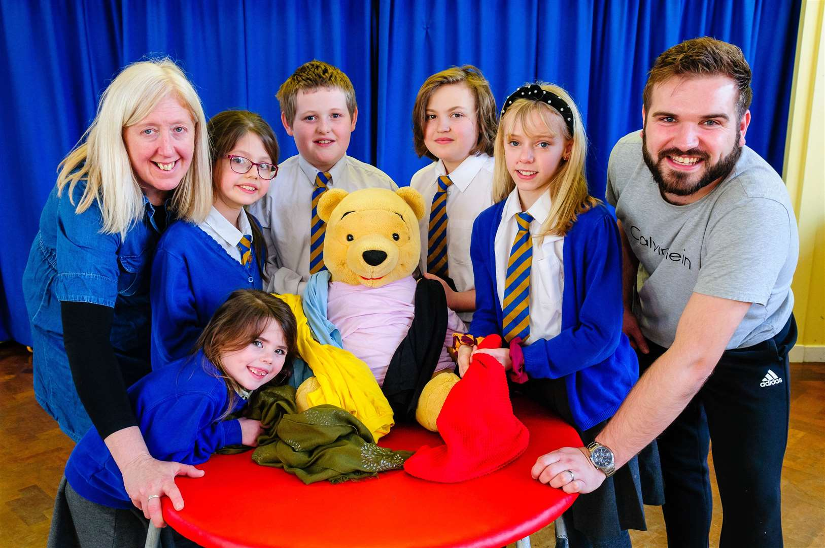 11/02/2020, Great Cornard, UK. ..Pot Kiln primary school is hosting an assembly which will be exploring the topic of philosophy. Pictured from left Mrs Fiona lock, Eloise (front), Cazanna, Zach, Tyla, Amelia and Mr Toby Gooch. ..Photo by Mark Bullimore. (28959490)