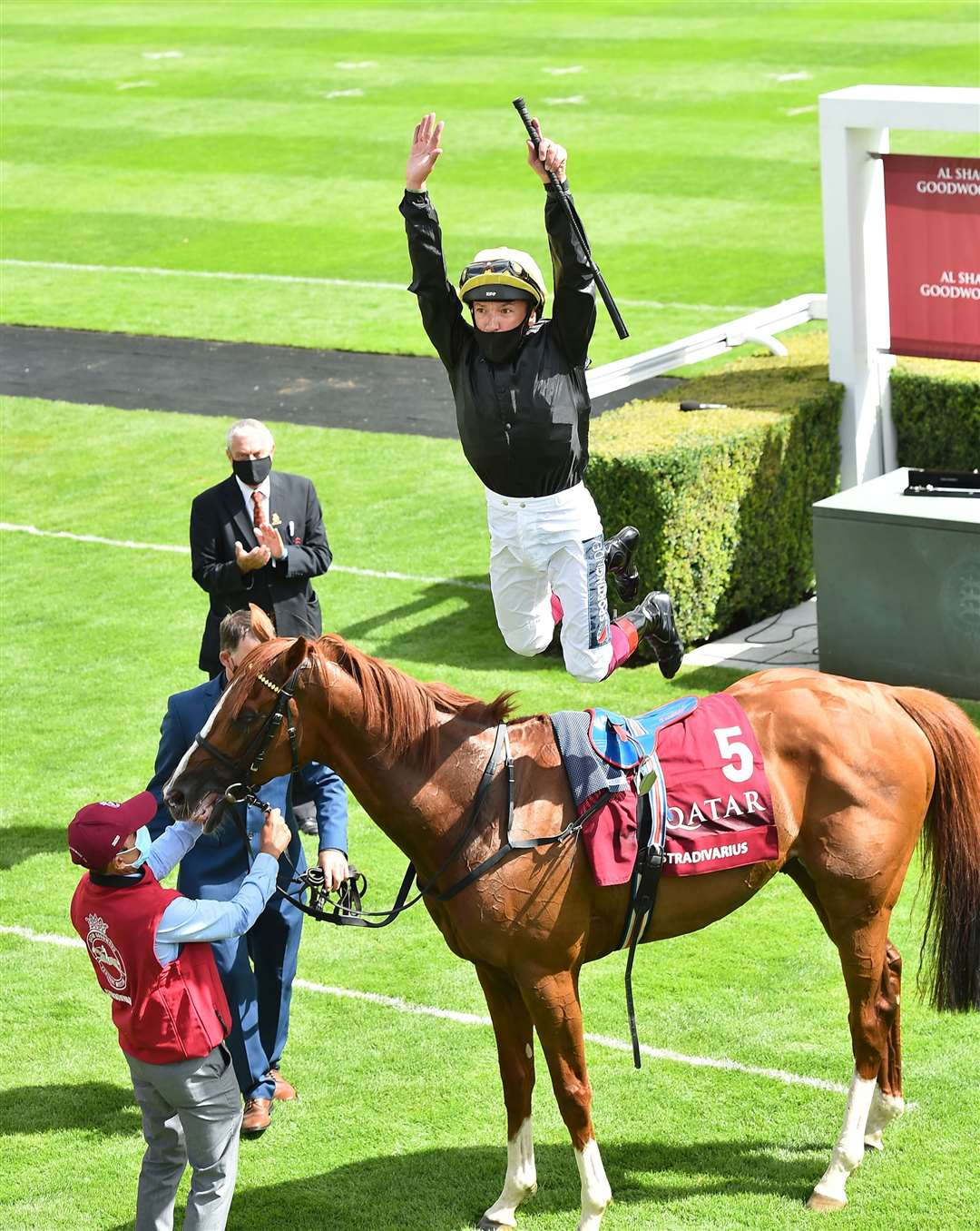 Frankie Dettori celebrates after winning The Al Shaqab Goodwood Cup Stakes with Stradivarius. Photo © Hugh Routledge.. (39383827)