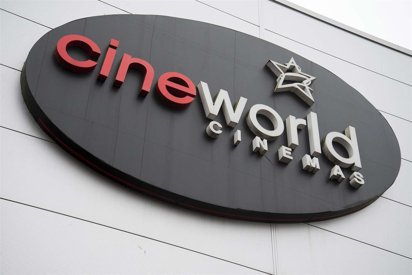 Cineworld arranges new loans and plans for July cinema reopening