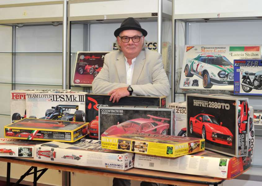 Terry Pastor, the artist behind iconic David Bowie album covers Ziggy Stardust and Hunky Dory, is selling his large collection of model car kits ANL-151008-203710009