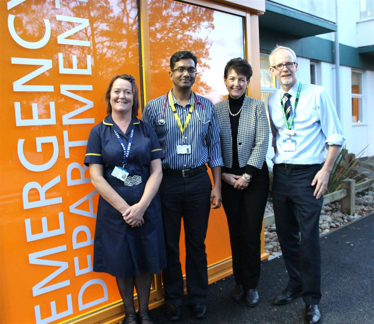 Becky Kelly, emergency department sister and Ravi Ayyamuthu emergency department consultant, with Jo Churchill MP and Trust chief executive Stephen Dunn (5872107)