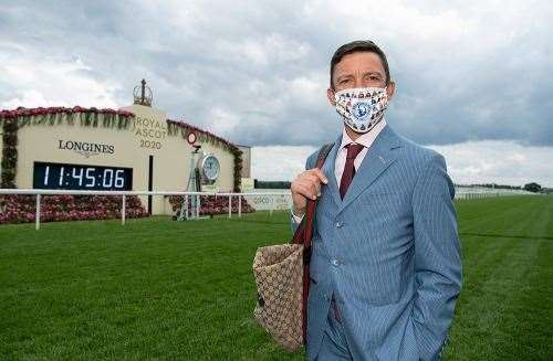 Frankie Dettori in facemask (37124943)