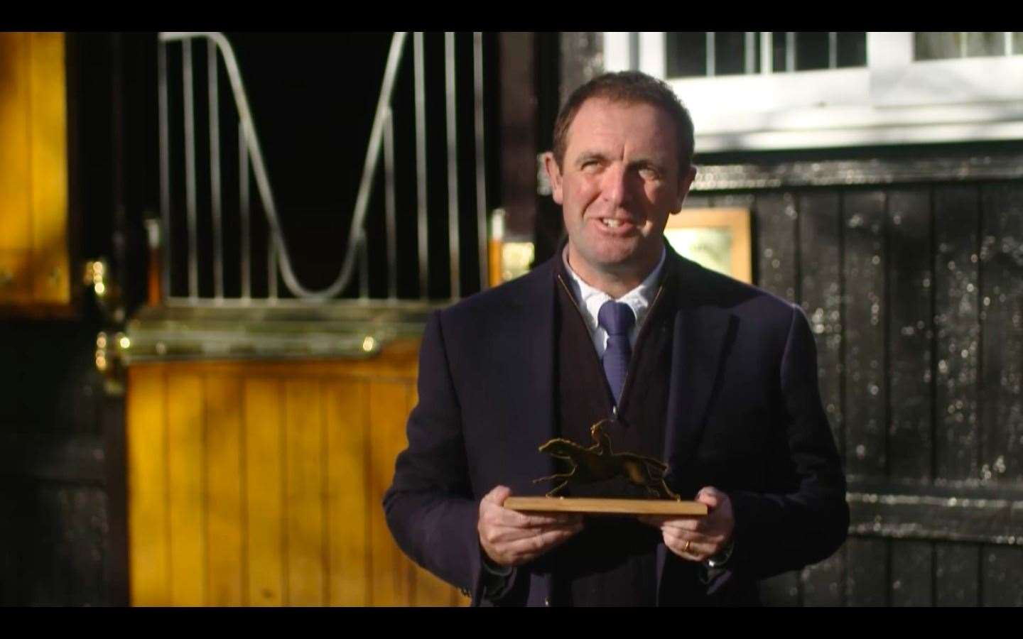 Trainer Charlie Appleby accepts the Cartier Older Horse of the Year award for GHAIYYATH (43265089)