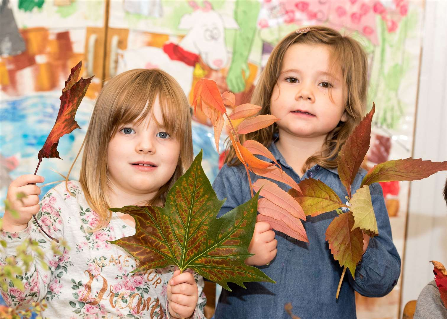 SUDBURY.Playbox pre-school, St John's Church Community Centre, York Rd, Sudbury.Children at Playbox pre-school making autumn-themed collages. Picture by Mark Westley. (18275374)