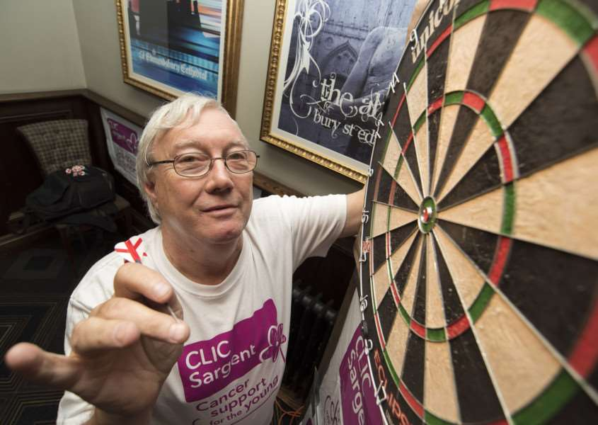 BURY: Colin completes million score darts challenge'Corn Exchange Weatherspoons, Bury St Edmunds'Colin Freeman has spent the last ten days throwing a 100,000 darts score every day. Tonight he will throw 100,001, completing his million and one darts score challenge for CLIC Sargent'Picture Mark Westley ANL-160208-231904009