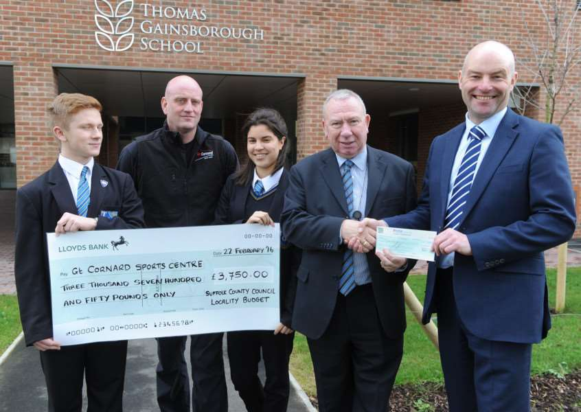 Cheque handover at Thomas Gainsborough School''Pictured: Pupil Kyle Nowak, Sports Leader Dan Lawrence, pupil Sian Catterall, Cllr Peter Beer and Head Teacher Wayne Lloyd ANL-160222-211921009
