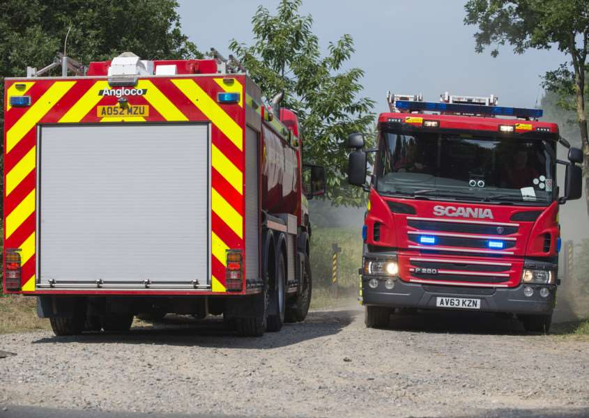 Fire in Thetford Forest B1107'Picture Mark Westley ANL-150107-171353009