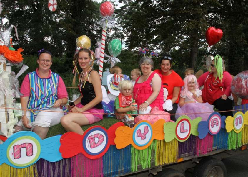 Lakenheath Carnival'Picture by Derek Leader ANL-160908-120506001