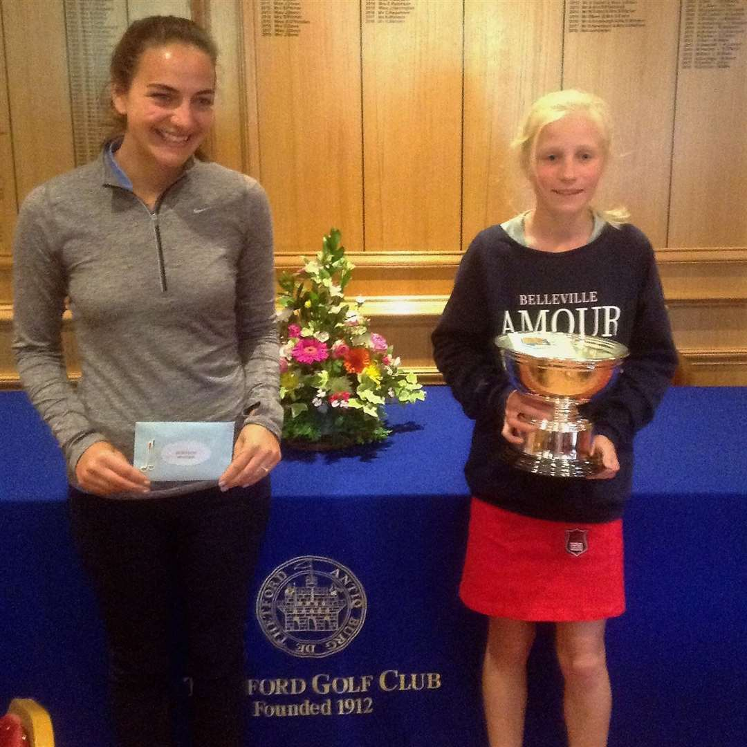 Thetford Ladies' Club Championship winners - Jess Dixon & Nellie Ong Picture: Malcolm Grubb (11856742)