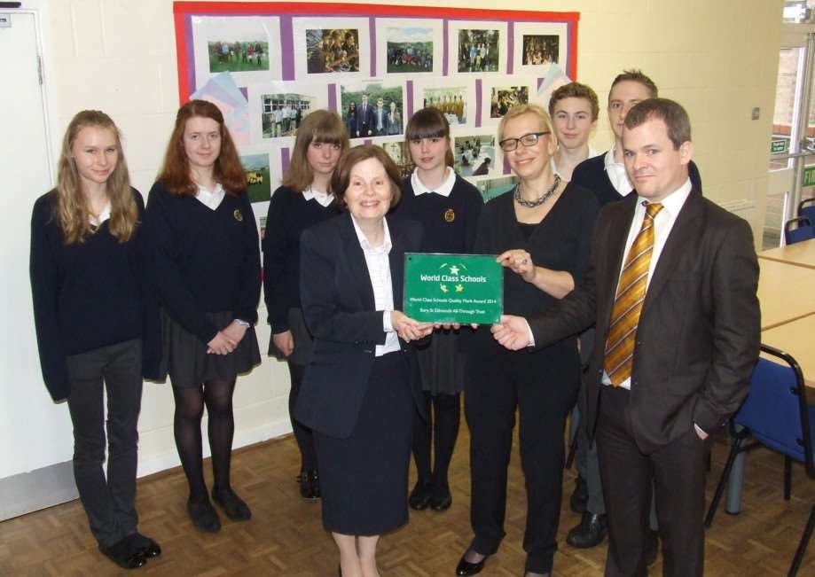 County Upper School, in Bury St Edmunds receives the World Class Schools Quality Mark ANL-150403-123232001