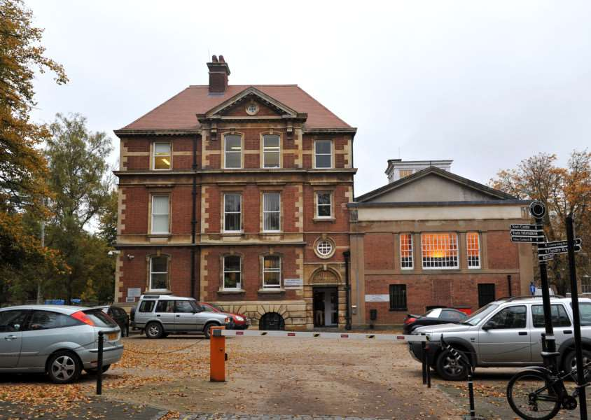 Bury Magistrates Court ENGANL00120121025093615
