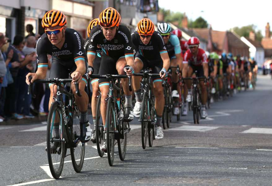 Pic - Richard Marsham'The Tour of Britain comes through Hadleigh ANL-151209-202210009