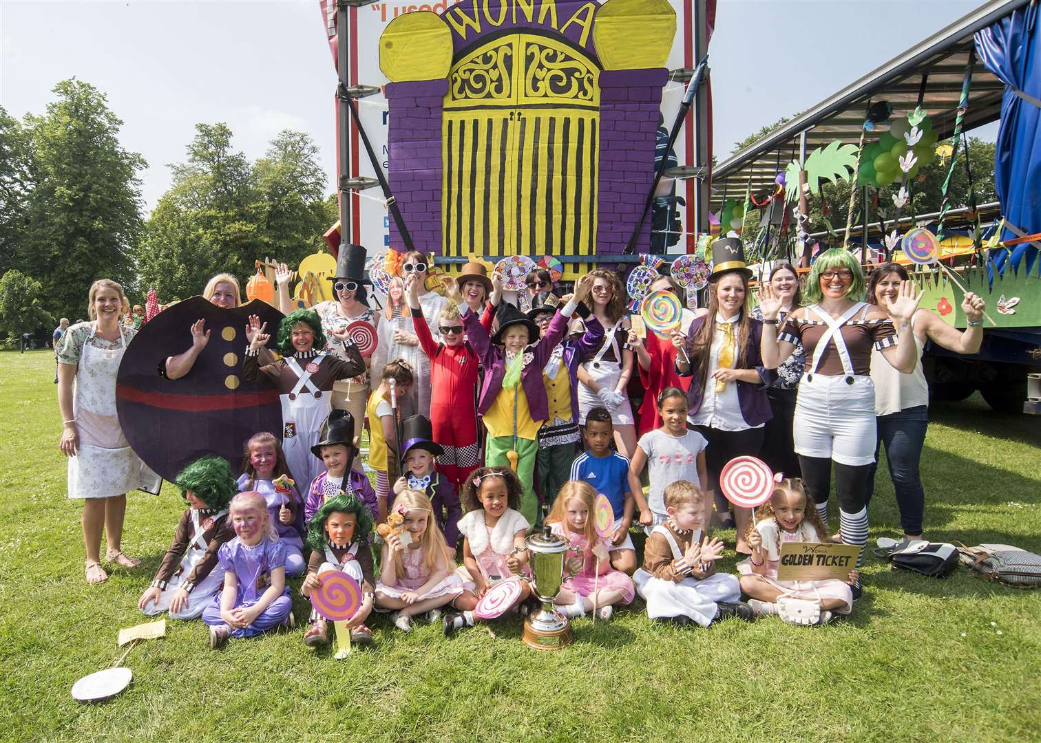 The Weatheralls School float winners presented by Dotty McLeod
