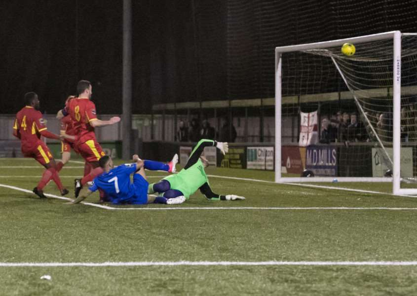 SO CLOSE: Tevan Allen's effort cannons against the crossbar. Picture: Paul Tebbutt