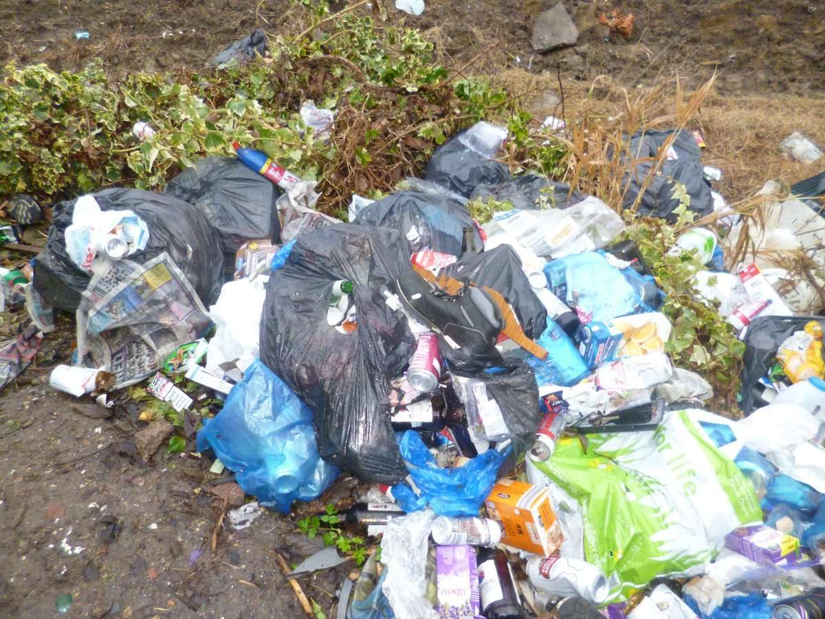 Fly-tipping (5723112)
