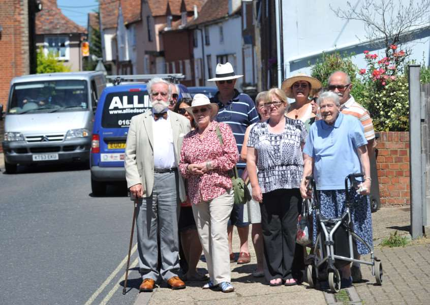 Residents are unhappy about the traffic on Benton Street, Hadleigh ANL-150630-141721009